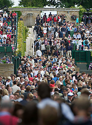 24.06.2011, Wimbledon, London, GBR, Wimbledon Tennis Championships, im Bild Crowds walk between court during day five of the Wimbledon Lawn Tennis Championships at the All England Lawn Tennis and Croquet Club, EXPA Pictures © 2011, PhotoCredit: EXPA/ Propaganda/ *** ATTENTION *** UK OUT!