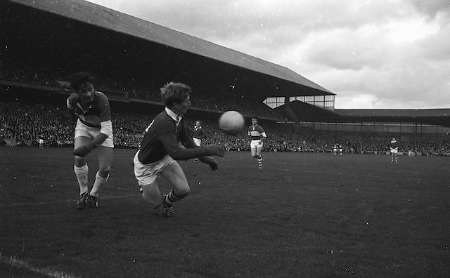 Cork Forward E. Kirby gains possession and stops ball going over Laois line during the All Ireland Minor Gaelic Football Final Cork v. Laois in Croke Park on the 24th September 1967.