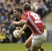 2006, Powergen Cup, Twickenham Wasps Jeremy Staunton, looks for support and a  way around Matthew Watkins,  London Wasps vs Llanelli Scarlets, ENGLAND, 09.04.2006, 2006, , © Peter Spurrier/Intersport-images.com.   [Mandatory Credit, Peter Spurier/ Intersport Images].