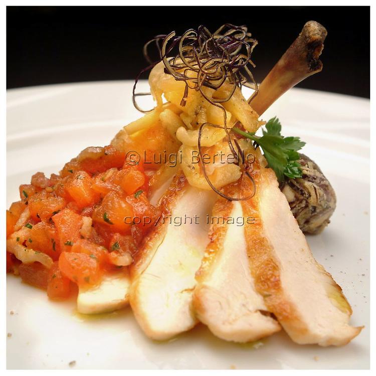 Le Ricette Tradizionali della Cucina Italiana.Italian Cooking Recipes. Galletto con melanzane
