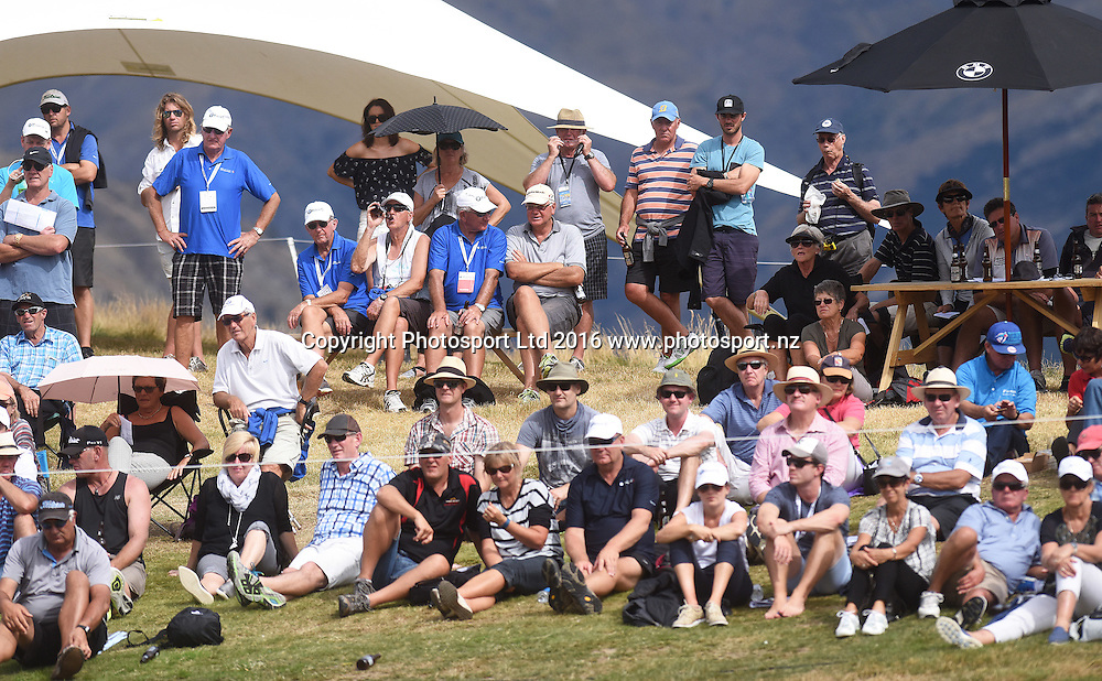 Galleries at the 10th green during round 4 at The Hills during 2016 BMW ISPS Handa New Zealand Open. Sunday 13 March 2016. Arrowtown, New Zealand. Copyright photo: Andrew Cornaga / www.photosport.nz