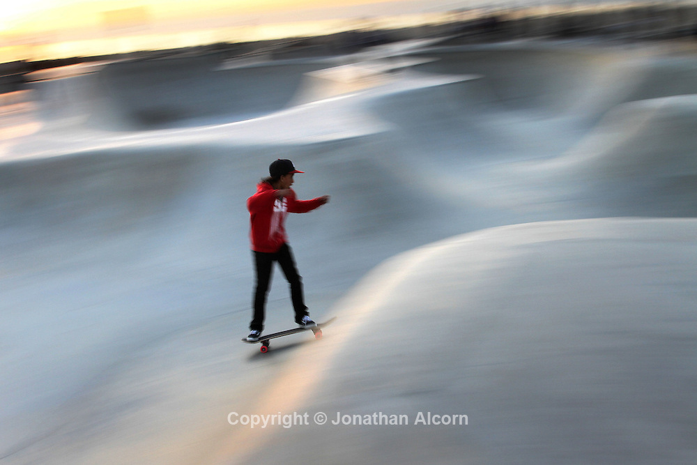 Skateboarding at the Venice Beach Skatepark , 6,000-square-foot facility near Windward Avenue and Ocean Front Walk, rare because it is located on a beach, features rails, ramps, steps and a bowl that resembles the empty swimming pools that opened in December 2009.