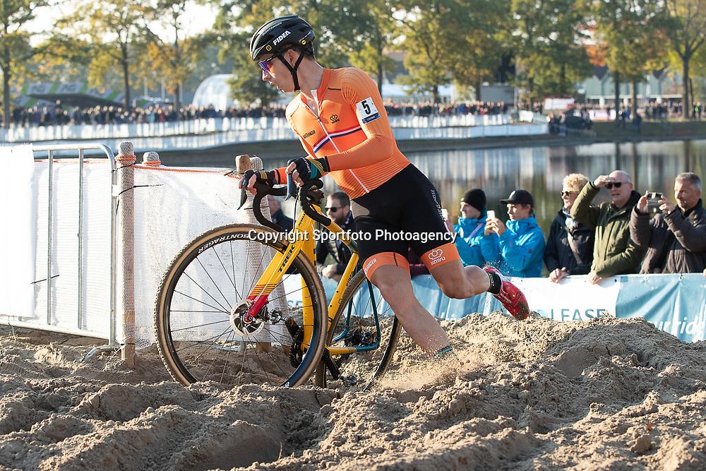 04-11-2018: Wielrennen: EK veldrijden: Rosmalen <br />Lars van der Haar