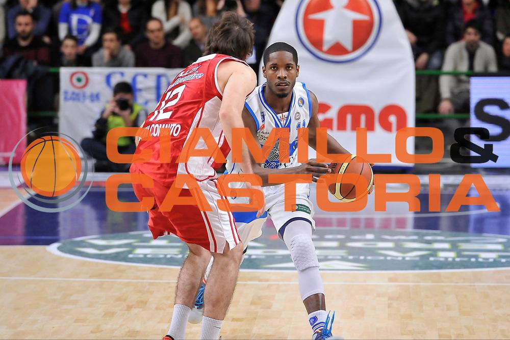 DESCRIZIONE : Campionato 2014/15 Dinamo Banco di Sardegna Sassari - Giorgio Tesi Group Pistoia<br /> GIOCATORE : Jerome Dyson<br /> CATEGORIA : Palleggio<br /> SQUADRA : Dinamo Banco di Sardegna Sassari<br /> EVENTO : LegaBasket Serie A Beko 2014/2015<br /> GARA : Dinamo Banco di Sardegna Sassari - Giorgio Tesi Group Pistoia<br /> DATA : 01/02/2015<br /> SPORT : Pallacanestro <br /> AUTORE : Agenzia Ciamillo-Castoria / Luigi Canu<br /> Galleria : LegaBasket Serie A Beko 2014/2015<br /> Fotonotizia : Campionato 2014/15 Dinamo Banco di Sardegna Sassari - Giorgio Tesi Group Pistoia<br /> Predefinita :