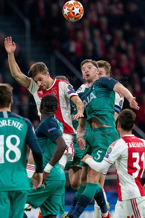 08-05-2019 NED: Semi Final Champions League AFC Ajax - Tottenham Hotspur, Amsterdam<br /> After a dramatic ending, Ajax has not been able to reach the final of the Champions League. In the final second Tottenham Hotspur scored 3-2 / Rasmus Kristensen #2 of Ajax, Jan Vertonghen #5 of Tottenham Hotspur, Matthijs de Ligt #4 of Ajax