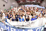 DESCRIZIONE : Sassari Lega A 2014-15 Dinamo Banco di Sardegna Sassari - Grissin Bon Reggio Emilia  Finale playoff  gara 3<br /> GIOCATORE : tifosi Banco di Sardegna Sassari<br /> CATEGORIA :  Low Tifosi Before <br /> SQUADRA : Banco di Sardegna Sassari<br /> EVENTO : LegaBasket Serie A Beko 2014/2015<br /> GARA : Dinamo Banco di Sardegna Sassari - Grissin Bon Reggio Emilia Finale playoff gara 3<br /> DATA : 18/06/2015 <br /> SPORT : Pallacanestro <br /> AUTORE : Agenzia Ciamillo-Castoria /Richard Morgano<br /> Galleria : Lega Basket A 2014-2015 Fotonotizia : Sassari Lega A 2014-15 Dinamo Banco di Sardegna Sassari - Grissin Bon Reggio Emilia playoff Semifinale gara 3<br /> Predefinita :