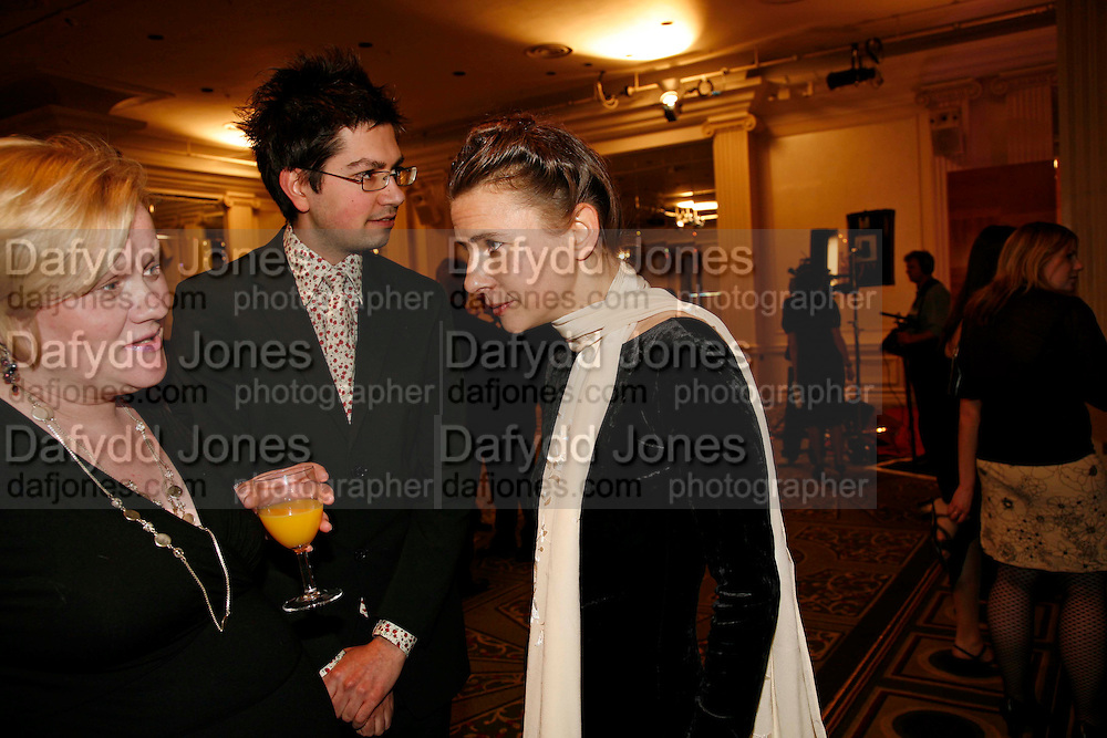 CASPIAN DENNIS, LIONEL SHRIVER AND KATE BRADLEY, 17th Annual Book Awards, hosted by richard and Judy. grosvenor House. London. 29 March 2006. ONE TIME USE ONLY - DO NOT ARCHIVE  © Copyright Photograph by Dafydd Jones 66 Stockwell Park Rd. London SW9 0DA Tel 020 7733 0108 www.dafjones.com