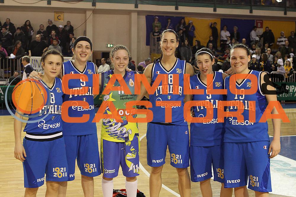 DESCRIZIONE : Parma All Star Game 2011 Donne Torneo Ocme Lega A1 Femminile 2010-11 FIP <br /> GIOCATORE : Giulia Gatti Ilaria Zenoni Kristin Haynie Elisa Silva Giulia Arturi Martina Crippa<br /> SQUADRA : Nazionale Italia Donne Ocme All Stars<br /> EVENTO : All Star Game FIP Lega A1 Femminile 2010-2011<br /> GARA : Ocme All Stars Italia<br /> DATA : 16/02/2011<br /> CATEGORIA : ritratto<br /> SPORT : Pallacanestro<br /> AUTORE : Agenzia Ciamillo-Castoria/C.De Massis<br /> Galleria : Lega Basket Femminile 2010-2011<br /> Fotonotizia : Parma All Star Game 2011 Donne Torneo Ocme Lega A1 Femminile 2010-11 FIP <br /> Predefinita :
