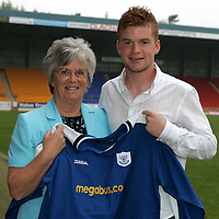 St Johnstone players sponsors evening..26.04.05<br />Stevie McManus<br /><br />Picture by Graeme Hart.<br />Copyright Perthshire Picture Agency<br />Tel: 01738 623350  Mobile: 07990 594431