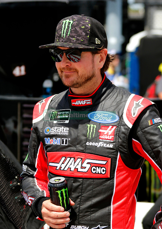 September 1, 2018 - Darlington, SC, U.S. - DARLINGTON, SC - SEPTEMBER 01:   Kurt Busch, Stewart-Haas Racing, Ford Fusion Haas Automation (41) during qualifying for the 69th annual Bojangles Southern 500 on Saturday September 1, 2018 at Darlington Raceway in Darlington South Carolina (Photo by Jeff Robinson/Icon Sportswire) (Credit Image: © Jeff Robinson/Icon SMI via ZUMA Press)