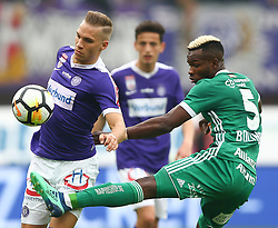 15.04.2018, Ernst Happel Stadion, Wien, AUT, 1. FBL, FK Austria Wien vs SK Rapid Wien, 30. Runde, im Bild Christoph Monschein (FK Austria Wien) und Boli Bolingoli Mbombo (SK Rapid Wien) // during Austrian Football Bundesliga Match, 30th Round, between FK Austria Vienna and SK Rapid Wien at the Ernst Happel Stadion, Vienna, Austria on 2018/04/15. EXPA Pictures © 2018, PhotoCredit: EXPA/ Thomas Haumer