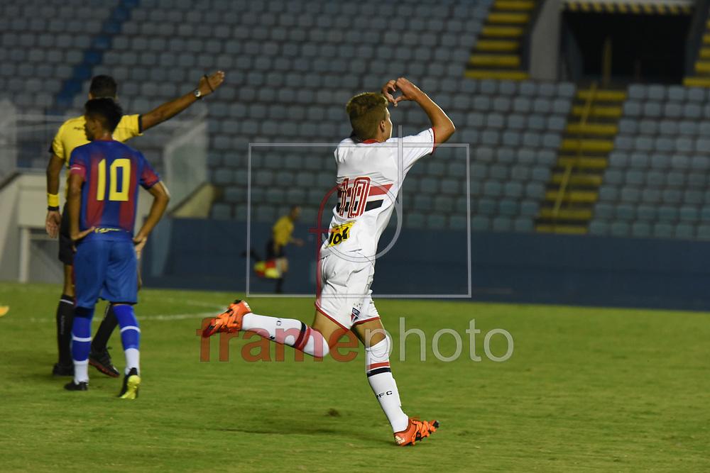 Lucas Fernandes (10) marca o gol do São Paulo em partida contra o Tiradentes-CE, válida pela Copa São Paulo de Futebol Junior, na Arena Barueri, em Barueri (SP), nesta terça-feira (05). Foto: Juca Rodrigues/FramePhoto