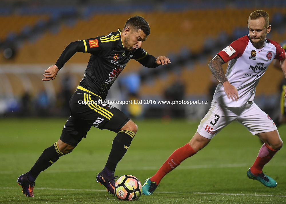 Kosta Babarouses on the attack.<br /> Wellington Phoenix v Western Sydney Wanderers. A-League Football. Mt Smart Stadium, Auckland, New Zealand. Saturday 17 December 2016 &copy; Copyright image: Andrew Cornaga / www.photosport.nz