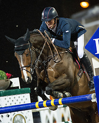 21.09.2013, Rathausplatz, Wien, AUT, Global Champions Tour, Vienna Masters, Springreiten (1.60 m), 1. Durchgang, im Bild Harrie Smolders (NED) auf Jackson Hole // during Vienna Masters of Global Champions Tour, International Jumping Competition (1.60 m), first round at Rathausplatz in Vienna, Austria on 2013/09/21. EXPA Pictures © 2013 PhotoCredit: EXPA/ Michael Gruber