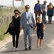 """NLD/Amsterdam//20170601 - Boekpresentatie """"En Nu Ik"""" van Peter Römer en partner Annet Hock , Thijs Romer met dochter Sammie en partner Igone de Jong"""