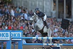 Hough Lauren, (USA), Cornet 39<br /> Longines Global Champions Tour - Grand Prix of Hamburg<br /> Hamburg - Hamburger Derby 2016<br /> © Hippo Foto - Stefan Lafrentz