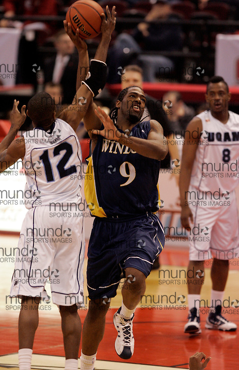CIS Basketball Champioships-Ottawa, March 19, 2010, Windsor Lancers-Nigel Johnson-Tyghter