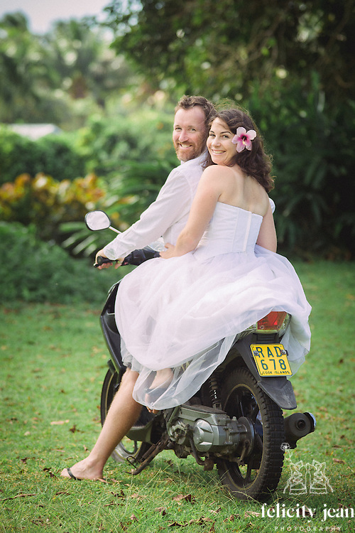 roy & erin  rarotonga wedding photography 2015 family wedding in rarotonga coromandel photographer felicity jean photography cool ideas for your wedding 2016/2017 flowers venue's nibbles dresses sign boards dressing up your pets props for photos ceremony styling photo booths bands cakes and more