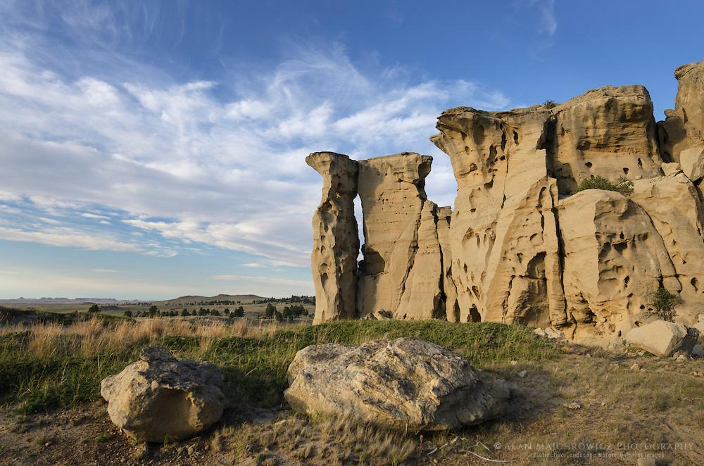 """Sandstone pillars or """"hoodoos"""" rising from the prairie of SE Montana"""