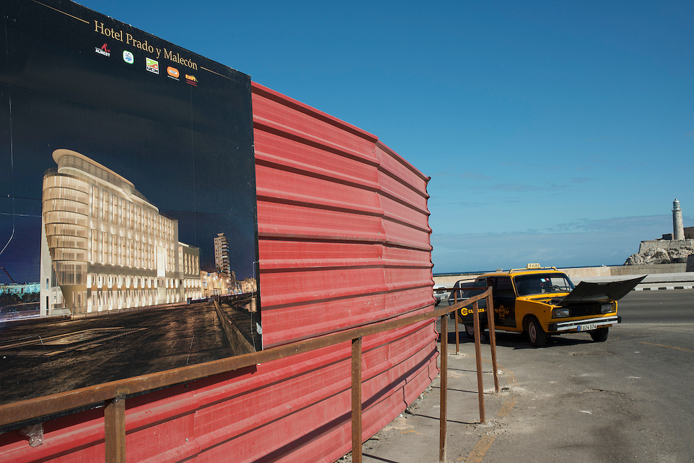 Project to build a luxury hotel on the Malecon in Old Havana.<br />