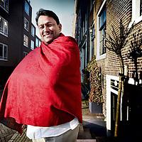 """Nederland, Amsterdam , 15 februari 2011..de Zuid-Afrikaanse imam Muhsin Hendricks brengt op uitnodiging van het COC een bezoek aan Nederland. Volgens Hendricks keurt de Koran homoseksualiteit niet expliciet af. Met zijn organisatie The Inner Circle ondersteunt de imam in Zuid-Afrika lesbische vrouwen, homoseksuele mannen, biseksuelen en transgenders (LHBT's) met een islamitische achtergrond..Hij zal de hoofdgast zijn op de conferentie """"Homoseksualiteit en Islam"""", 19 februari, 16.00 - 19.00, 1e Weteringsplantsoen 2c, 1017 SJ Amsterdam.Foto:Jean-Pierre Jans"""