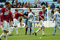 Photo: Kevin Poolman.<br />Coventry City v Burnley. Coca Cola Championship. 25/02/2006. <br />Coventry's Dennis Wise and Frank Sinclair exchange views.