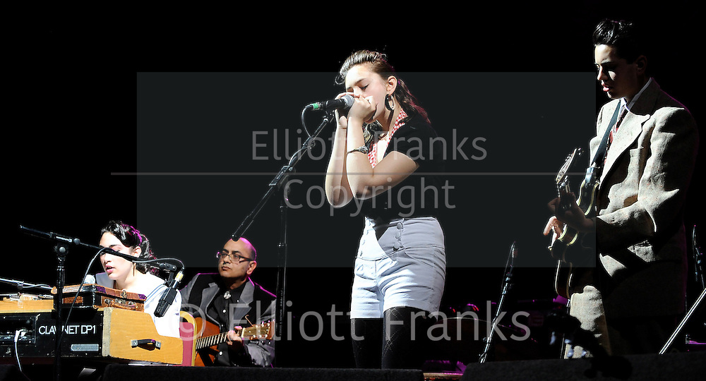 Kitty, Daisy &amp; Lewis<br />