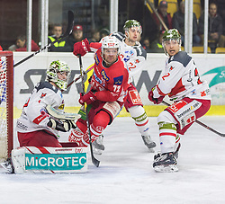 13.03.2019, Stadthalle, Klagenfurt, AUT, EBEL, EC KAC vs HCB Suedtirol Alperia, Viertelfinale, 1. Spiel, im Bild Jacob SMITH (HCB Suedtirol Alperia, #1), Siim LIIVIK (EC KAC, #72), Matti KUPARINEN (HCB Suedtirol Alperia, #22) // during the Erste Bank Icehockey 1st quarterfinal match between EC KAC and HCB Suedtirol Alperia at the Stadthalle in Klagenfurt, Austria on 2019/03/13. EXPA Pictures © 2019, PhotoCredit: EXPA/ Gert Steinthaler