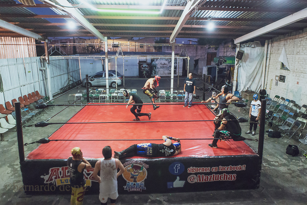 Mexican wrestlers students practicing in a local arena in Guadalajara, Jalisco, Mexico. Monday 2 of March, 2018. Photos by Bernardo De Niz