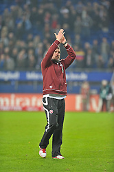 30.10.2011,  Imtech Arena, Hamburg, GER, 1. FBL, Hamburger SV (GER) vs 1.FC Kaiserslautern, im Bild Trainer Marco Kurz(Kaiserslautern) verabschiedet sich nach dem Unentschieden enttaeuscht von den Fans// during the match at ImtechArena 2011/10/30. EXPA Pictures © 2011, PhotoCredit: EXPA/ nph/ Anja Witke +++++ ATTENTION - OUT OF GERMANY/(GER), CROATIA/(CRO) +++++