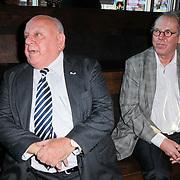 NLD/Hilversum/20111115 - Boekpresentatie Zangeres Zonder Naam van Ben Holthuis, Bas van Toor en Ger Lammens
