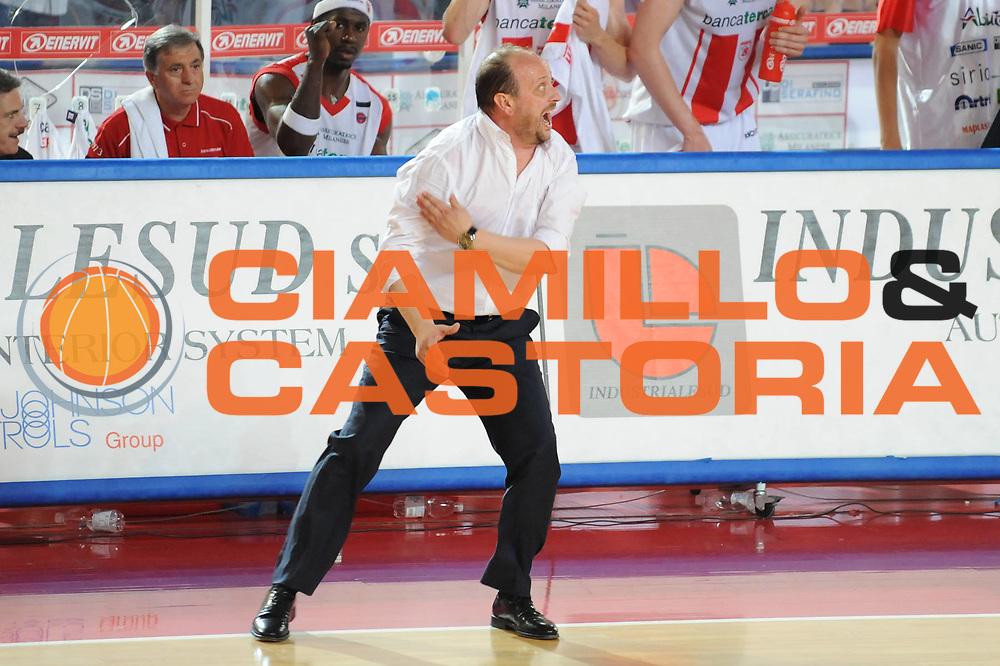 DESCRIZIONE : Teramo Lega A 2008-09 Playoff Quarti di finale Gara 1 Bancatercas Teramo Armani Jeans Milano<br /> GIOCATORE : Andrea Capobianco<br /> SQUADRA : Bancatercas Teramo<br /> EVENTO : Campionato Lega A 2008-2009 <br /> GARA : Bancatercas Teramo Armani Jeans Milano<br /> DATA : 18/05/2009<br /> CATEGORIA : delusione<br /> SPORT : Pallacanestro <br /> AUTORE : Agenzia Ciamillo-Castoria/M.Marchi
