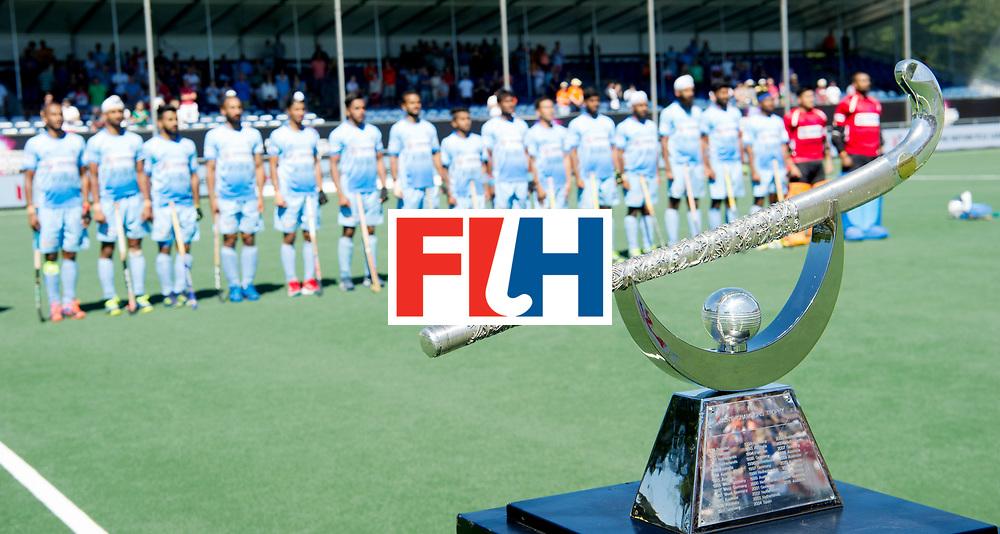 BREDA - Rabobank Hockey Champions Trophy<br /> Final Australia - India<br /> Photo: Indian line up w/ the trophy.<br /> COPYRIGHT WORLDSPORTPICS FRANK UIJLENBROEK