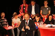 Mannheim. 19.09.17 | SPD-Kanzlerkandidat Martin Schulz im Capitol Mannheim.<br /> Im Wahlkampf zur Bundestagswahl unterstützt Kanzlerkandidat Martin Schulz Mannheims SPD Bundestagsabgeordneter Stefan Rebmann.<br /> <br /> <br /> BILD- ID 2380 |<br /> Bild: Markus Prosswitz 19SEP17 / masterpress (Bild ist honorarpflichtig - No Model Release!)