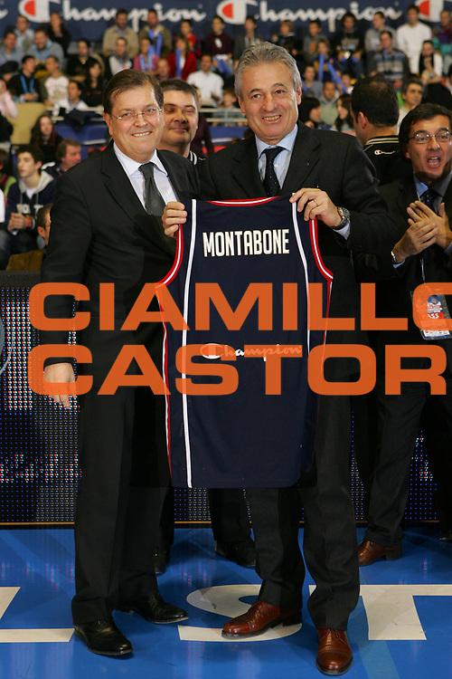 DESCRIZIONE : Torino Lega A1 2006-07 Tim All Star Game 2006 Italia Champion All Stars <br /> GIOCATORE : Prandi Montabone <br /> SQUADRA : <br /> EVENTO : Campionato Lega A1 2006-2007 <br /> GARA : Tim All Star Game 2006 Italia Champion All Stars <br /> DATA : 23/12/2006 <br /> CATEGORIA : Premiazione <br /> SPORT : Pallacanestro <br /> AUTORE : Agenzia Ciamillo-Castoria/S.Silvestri
