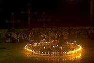 Pobladores Acteal, Chipas participan en la conmemoracion del diez y seis aniversario de la masacre de la comunidad de Las Abejas, Acteal Chipas Mexico. Las comunidades indigenas conmemoran el veinte aniversario del levantamiento zapatistas en enero de 1994. Photo: Migel Villela/Imagenes Libres.
