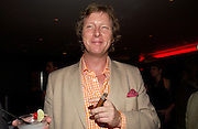 Ranald Macdonald yr of Clanranald, Opening of Floridita, Wardour St. London. 21 October 2004. ONE TIME USE ONLY - DO NOT ARCHIVE  © Copyright Photograph by Dafydd Jones 66 Stockwell Park Rd. London SW9 0DA Tel 020 7733 0108 www.dafjones.com