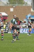 Twickenham, GREAT BRITAIN,  Harlequins' Nick EVANS kicking a penalty during the Guinness Premiership match, Harlequins vs Saracen at the Twickenham Stoop Stadium, Surrey on Sat. 19.09.2009.  [Photo. Peter Spurrier/Intersport-images]