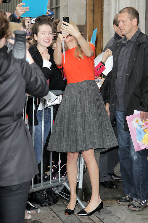 05.OCTOBER.2012. LONDON<br /> <br /> TAYLOR SWIFT OUTSIDE BBC RADIO ONE STUDIOS, LONDON<br /> <br /> BYLINE: EDBIMAGEARCHIVE.CO.UK<br /> <br /> *THIS IMAGE IS STRICTLY FOR UK NEWSPAPERS AND MAGAZINES ONLY*<br /> *FOR WORLD WIDE SALES AND WEB USE PLEASE CONTACT EDBIMAGEARCHIVE - 0208 954 5968*