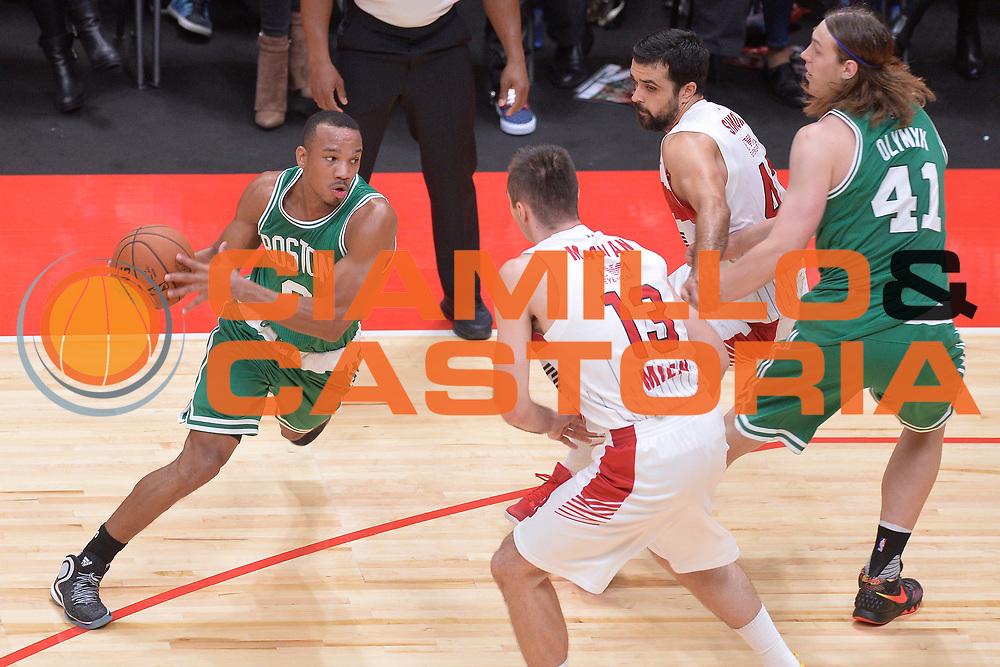 DESCRIZIONE : Milano NBA Global Games EA7 Olimpia Milano - Boston Celtics<br /> GIOCATORE : Avery Bradley<br /> CATEGORIA : Palleggio curiosit&agrave;<br /> SQUADRA :  Boston Celtics<br /> EVENTO : NBA Global Games 2016 <br /> GARA : NBA Global Games EA7 Olimpia Milano - Boston Celtics<br /> DATA : 06/10/2015 <br /> SPORT : Pallacanestro <br /> AUTORE : Agenzia Ciamillo-Castoria/IvanMancini<br /> Galleria : NBA Global Games 2016 Fotonotizia : NBA Global Games EA7 Olimpia Milano - Boston Celtics