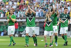 07.05.2011, Weserstadion, Bremen, GER, 1.FBL, Werder Bremen vs Borussia Dortmund, im Bild Predrag Stevanovic (Bremen #31), Petri Pasanen (Bremen #3), Marko Marin (Bremen #10), Claudio Pizarro (Bremen #24) und Sandro Wagner (Bremen #19) bedanken sich fuer die Unterstuetzung   EXPA Pictures © 2011, PhotoCredit: EXPA/ nph/  Frisch       ****** out of GER / SWE / CRO  / BEL ******