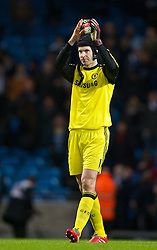 15.02.2014, Etihad Stadion, Manchester, ESP, FA Cup, Manchester City vs FC Chelsea, Achtelfinale, im Bild Chelsea's goalkeeper Petr Cech looks dejected as his side lose 2-0 to Manchester City // during the English FA Cup Round of last 16 Match between Manchester City and FC Chelsea at the Etihad Stadion in Manchester, Great Britain on 2014/02/15. EXPA Pictures © 2014, PhotoCredit: EXPA/ Propagandaphoto/ David Rawcliffe<br /> <br /> *****ATTENTION - OUT of ENG, GBR*****