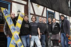 Der neu gewählte Vorstand der Bürgerinitiative Umweltschutz Lüchow-Dannenberg für das Jahr 2012/2013 (von rechts): Martin Donat (Vorsitzender), Franziska Behn (Beirat), Günter Hermeyer (Beirat), Heiko Jäger (Kassenwart), Torben Klages (Schriftführer), Lennart Müller (Pressesprecher), Andreas Conradt (Beirat), Wolfgang Ehmke (Beirat). Nicht im Bild: Klaus Longmuss (2. Kassenwart) <br /> <br /> Ort: Trebel<br /> Copyright: Karin Behr<br /> Quelle: PubliXviewinG