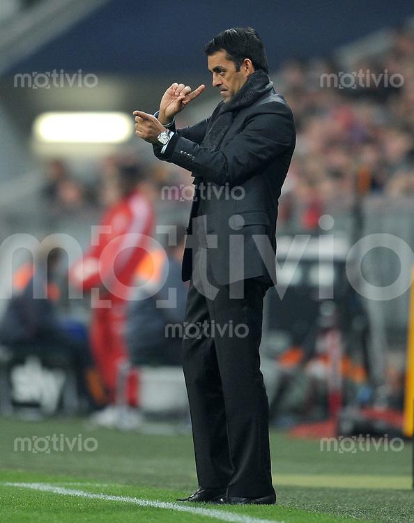 Fussball 1. Bundesliga :  Saison   2010/2011   10. Spieltag  29.10.2010 FC Bayern Muenchen - SC Freiburg Trainer Robin Dutt (SC Freiburg)