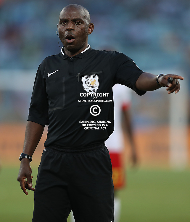 DURBAN, SOUTH AFRICA - FEBRUARY 18: Referee Mr Phelelani Ndaba during the Absa Premiership match between Kaizer Chiefs and Highlands Park at Moses Mabhida Stadium on February 18, 2017 in Durban, South Africa. (Photo by Steve Haag/Gallo Images)
