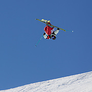 Gus Kenworthy, USA, in action during his first place finish in the Freeski Slopestyle Men's Final at Snow Park, New Zealand during the Winter Games. Wanaka, New Zealand, 18th August 2011. Photo Tim Clayton