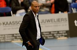 21-11-2015 NED: Advisie/SSS - ARBO Rotterdam, Barneveld<br /> SSS wint met 3-1 (25-13, 24-26, 25-13, 25-18) van Rotterdam / Trainer/coach Albert Cristina of SSS