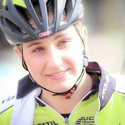 16-04-2016: Wielrennen: IJsseldelta Topcompetitie vrouwen: Zwolle<br />ZWOLLE (NED) wielrennen Wind was in deze editie de grootste tegenstanders van de vrouwen.<br />Chanella Stougje