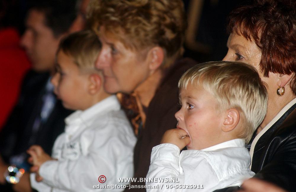 CD presentatie Frans Bauer, oma's en kinderen Christiaan + Jan