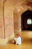 Pakistan, province du Sind, Thatta, mosquée construite par l'empereur Moghol Shah Jahan. // Pakistan, Sindh province, Thatta, mosque build by Moghol emperor Shah Jahan.
